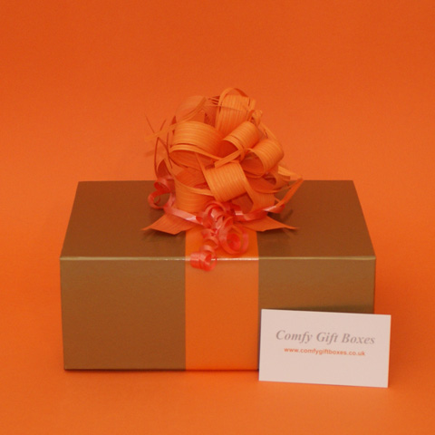 Pamper gift box for women UK, pampering presents online, gifts for women delivered, luxury presents for girls