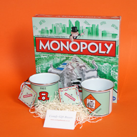 Monopoly game house warming gifts, new home gifts UK, Monopoly moving house gifts, game and mugs housewarming gift ideas UK