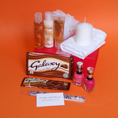 Galaxy chocolate night in pamper gift box, ideal pampering presents for girlfriends, Galaxy chocolate gift ideas for her, pamper hampers for her