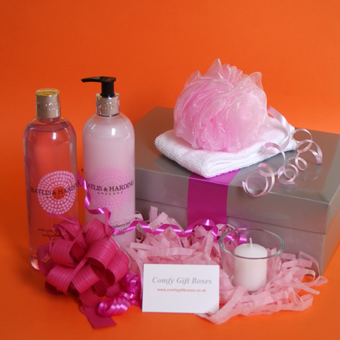 Birthday pampering gift ideas for women, indulgent birthday gifts for girls, bath pampering gift boxes, relaxing gifts for women