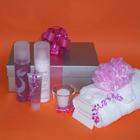 Body pampering gifts for girls, pampering gifts for women, Sanctuary Spa pampering gifts, beauty gifts for her