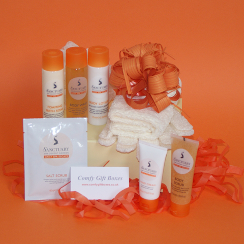Spa night in beauty pamper gifts for her, DIY spa night in gifts for women, pamper at home gifts for her UK delivery