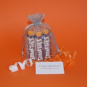 Smarties table gifts and wedding favours, table gift ideas online